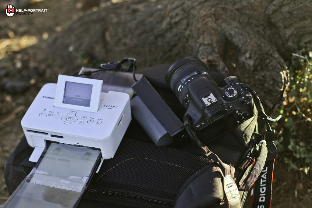 Setting up the printer under the shade of a solitary tree in the Savannahs. And waiting for the magic to begin!